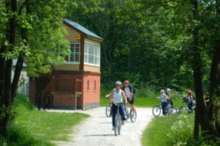 Cyclists on the trail near Hartington Signal Box