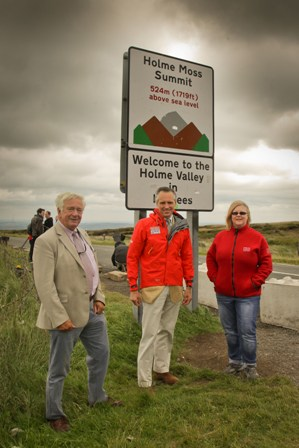 Clr Tony Favell, Lord de Maulay and Ranger Jenny Waller at Holme Moss