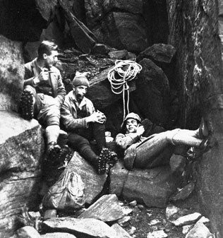 Fred Heardman (on the right) at Wharncliffe Crags 1920 with friends